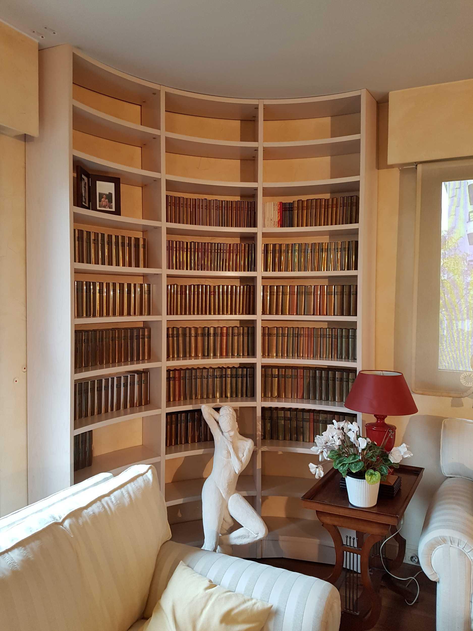 Etagere Sur Mesure Paris bibliothèque arrondie